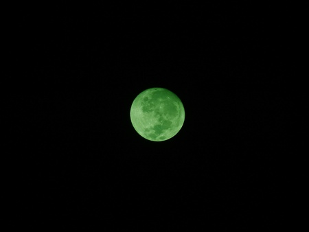 Full green moon - Superzoom