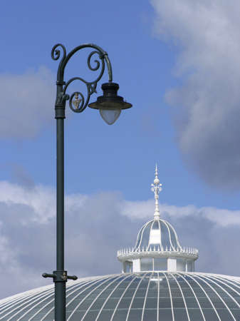kibble: The cupola of the Kibble Palace and a Glasgow lamp post