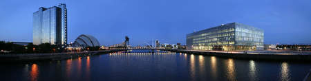 The modern skyline of Glasgows River Clyde at dusk Reklamní fotografie