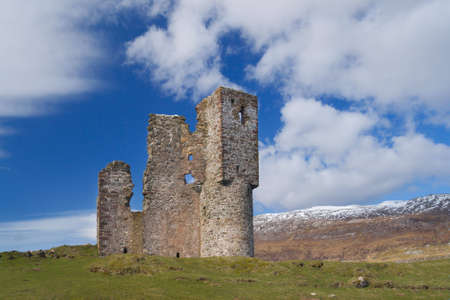 drystone: Ardvreck Castle in the Assynt area of Scotland