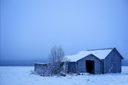 A cold abandoned barn Stock Photo - 803110