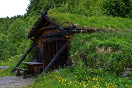 norge: Traditional viking house in the north of Norway