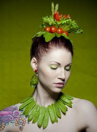 aliments droles: un maquillage coloré et créative, tourné avec des légumes frais Banque d'images