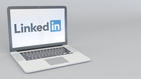 LinkedIn 로고가있는 노트북. 컴퓨터 기술 개념적 사설 3D 렌더링