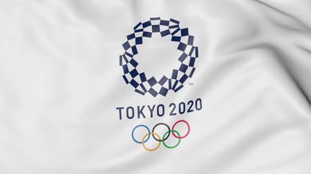 Wapperende vlag met 2020 zomer Olympische spelen logo tegen blauwe achtergrond. Redactioneel 3D-rendering