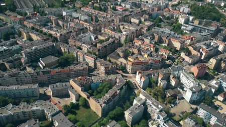 Aerial view of residential houses in Poznan, Poland 免版税图像 - 102334821