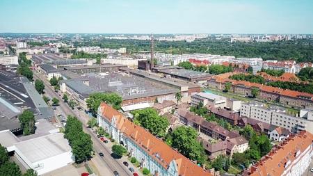 Luftaufnahme von Wohn- und Industriegebieten in Posen, Polen