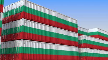 Containerterminal voller Container mit Flagge von Bulgarien. Bulgarisches 3D-Rendering im Zusammenhang mit Export oder Import Standard-Bild