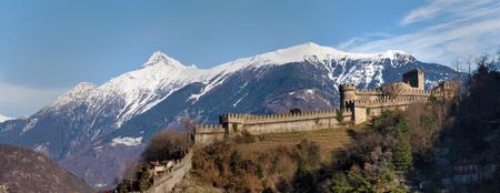 2014 January 28  Switzerland - Bellinzona castles, scenic views of the city Zdjęcie Seryjne