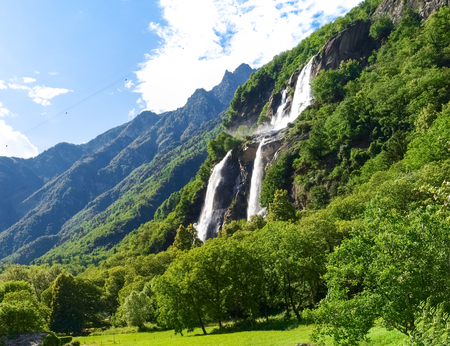 Valchiavenna, Italy  Waterfalls of  Borgonuovo Imagens