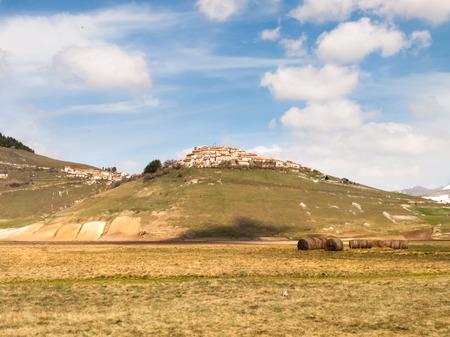 monti: Italy, Castelluccio di Norcia big plan of Monti Sibillini. Stock Photo