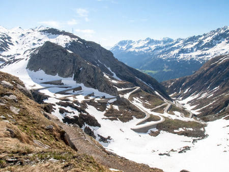 schweiz: Gotthardpass, Switzerland: view of the valley of Tremola. The pass is still a lot of snow in the winter