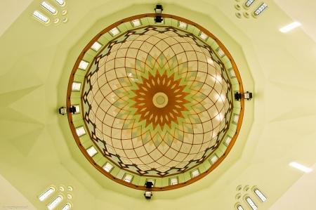 likas: Inner dome of Masjid Bandaraya Likas, Sabah, Malaysia Editorial