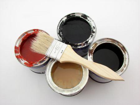 paintbucket: Paint buckets and brush