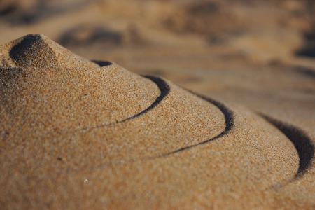 波状のパターンを持つ砂山、ソフトフォーカス 写真素材