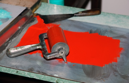 damping: roller printing with red ink