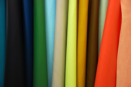 materia prima: El cuero artificial producido en Italia es similar a la piel real. Se utiliza para producir sofás, bolsos, zapatos y accesorios de moda Foto de archivo