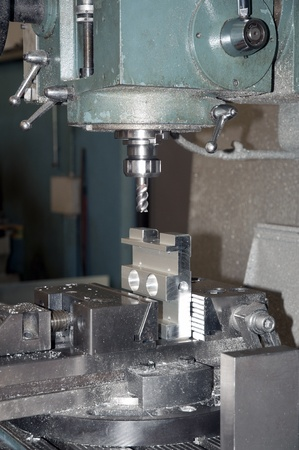 grope: Drilling and milling CNC in workshop