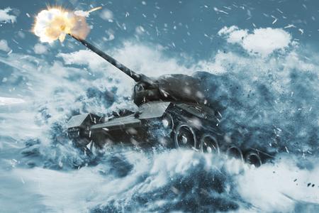 Battle Tank beweegt in de sneeuwstorm Stockfoto