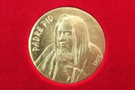 commemorative: commemorative coin of Padre Pio