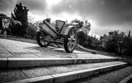 residue: Transportable historic cannon of World War II in Redipuglia, Italy