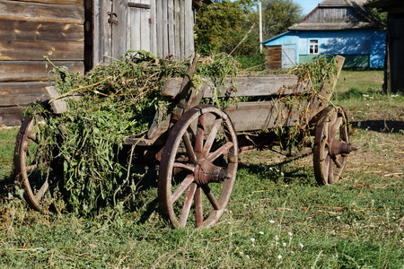 carreta madera: Old wooden wagon timber, industry, west carrying car