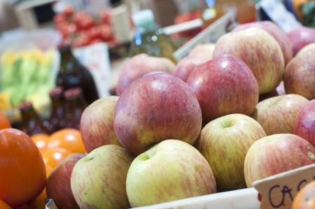 showcase: Apple showcase at the farmers Market