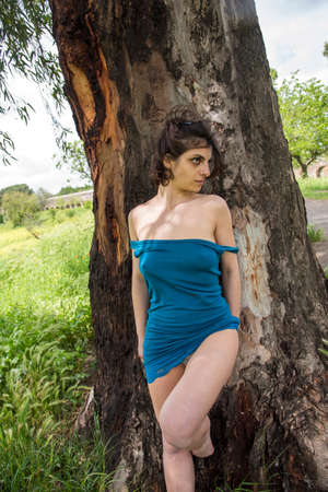 Young girl relaxing at the park in Rome Imagens