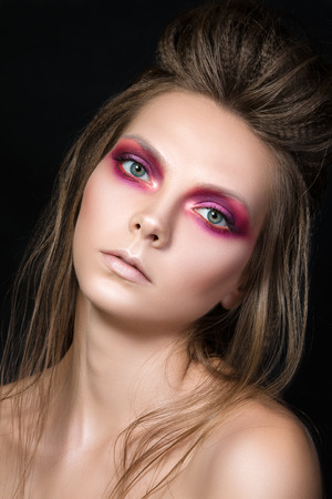 pretty eyes: Beauty portrait of young pretty girl with fashion make-up. Moedrn smokey eyes make up