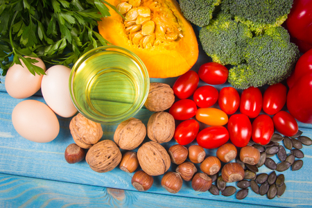 Products containing a large amount of vitamin E. Conception of a healthy diet. Standard-Bild