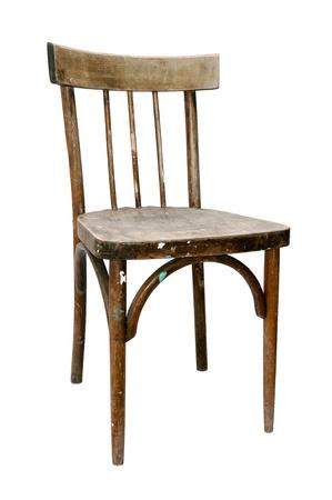 silla de madera: sucia vieja silla de madera aislada sobre fondo blanco