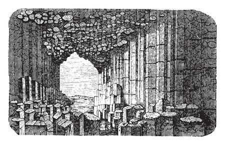 ravine: Basalt prisms, vintage engraved illustration. La Vie dans la nature, 1890.