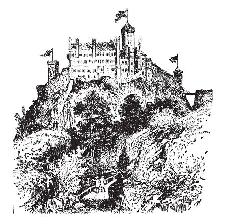 Castle is a type of fortified structure built in Europe and the Middle East during the Middle Ages by European nobility, vintage line drawing or engraving illustration. Stockfoto - 132959523