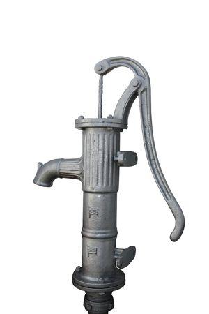bomba de agua: una vieja bomba de agua contra un fondo blanco