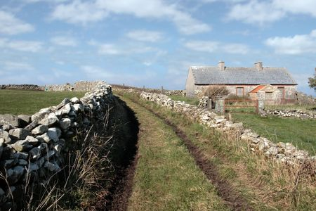 a derelict house in the irish countryside in county kerry ireland Stock Photo - 4988029