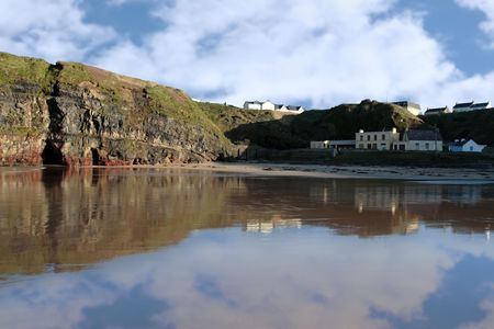 ballybunion: beautiful view of a quiet ballybunion beach and cliffs Stock Photo