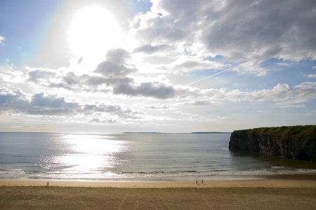 ballybunion: Beautiful bright sun over the Ballybunion beach and cliffs in Ireland on a summers day Stock Photo