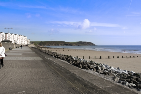 youghal: Youghal beach promenade on a quiet summers afternnon in Ireland Stock Photo