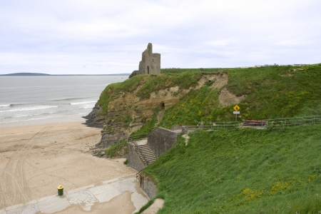 ballybunion: Ballybunion castle and steps to the beach at an Irish seaside resort