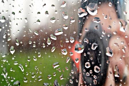 gotas de agua: gotas de lluvia  Foto de archivo