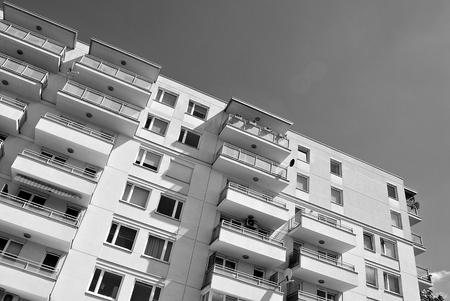 현대, 럭셔리 아파트 건물입니다. 검정색과 흰색 스톡 콘텐츠