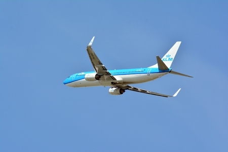 Warsaw, Poland. 4 May 2018. Passenger airplane Boeing 737 KLM Airlines is flying from the Warsaw Chopin Airport runway Redactioneel