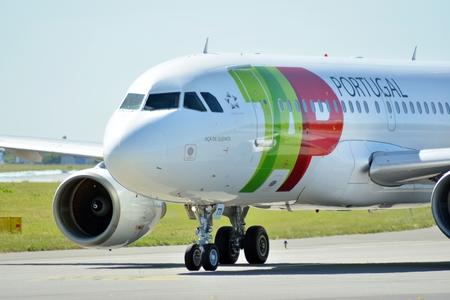 Warsaw, Poland. 6 June 2018. Plane CS-TTI - Airbus A319-111 - TAP Portugal preparing to take off.