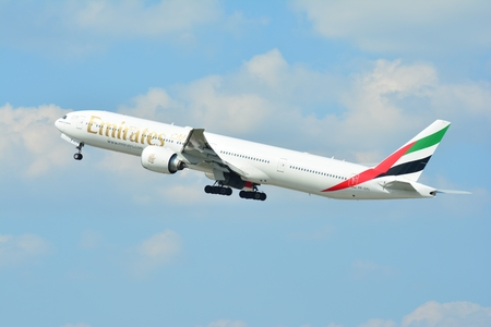 Warsaw, Poland. 21 July 2018. Airplane A6-EPL Emirates Boeing 777-31H (ER) taking off from the Warsaw Chopin Airport. Редакционное