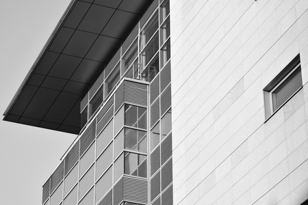 Modern corporate architecture - business and success concept. Black and white. 免版税图像