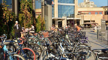 Warsaw, Poland. September 4, 2019. Arkadia shopping center. Bicycles arranged in a row. Stok Fotoğraf - 130077461