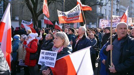 Warsaw, Poland. 8 January 2020. A pro-government demonstration in support of judicial reform. Demonstration organized by the circles of Gazeta Polska Sajtókép