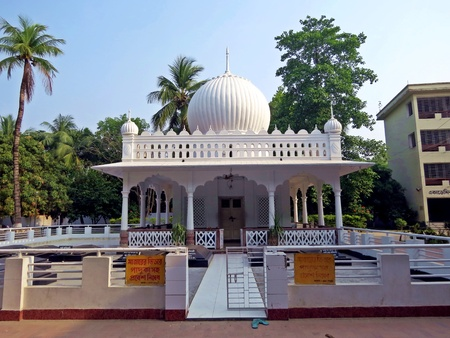 onion domed shrine of poet and musician Lalon Shah, Kushtia, Bangladesh Stock Photo