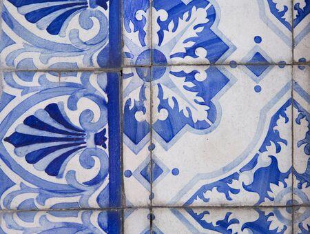 Traditional ornate portuguese decorative tiles Banque d'images - 131957242