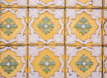 Traditional ornate portuguese decorative tiles Banque d'images - 131956781